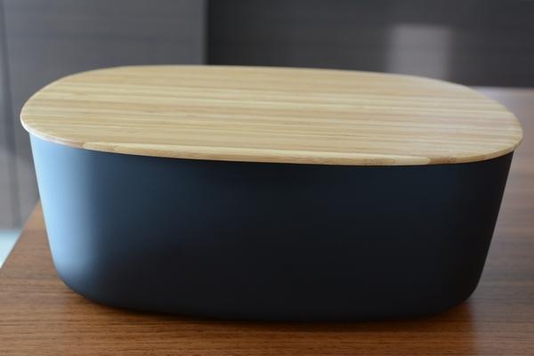 【キッチン雑貨】RIG-TIG(ステルトン) ブレッドボックスとストレイジボックス