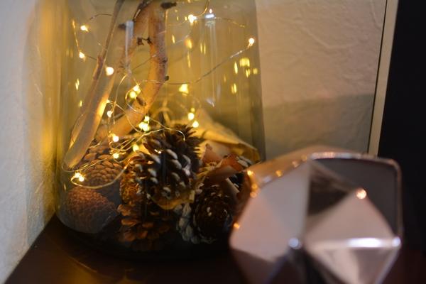 ワイヤー式LEDライトをダイニングのクリスマスディスプレイに使う