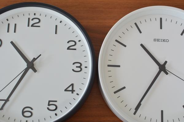 今までリビングで使っていた時計はSEIKO STANDARD