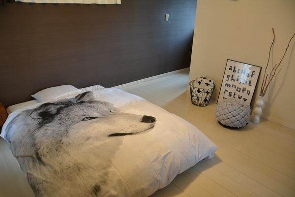 寝室の北欧インテリアコーディネート テーマカラーはホワイト&グレー